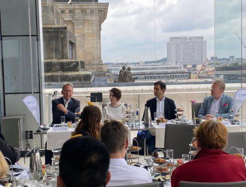 Frühstück im Bundestag